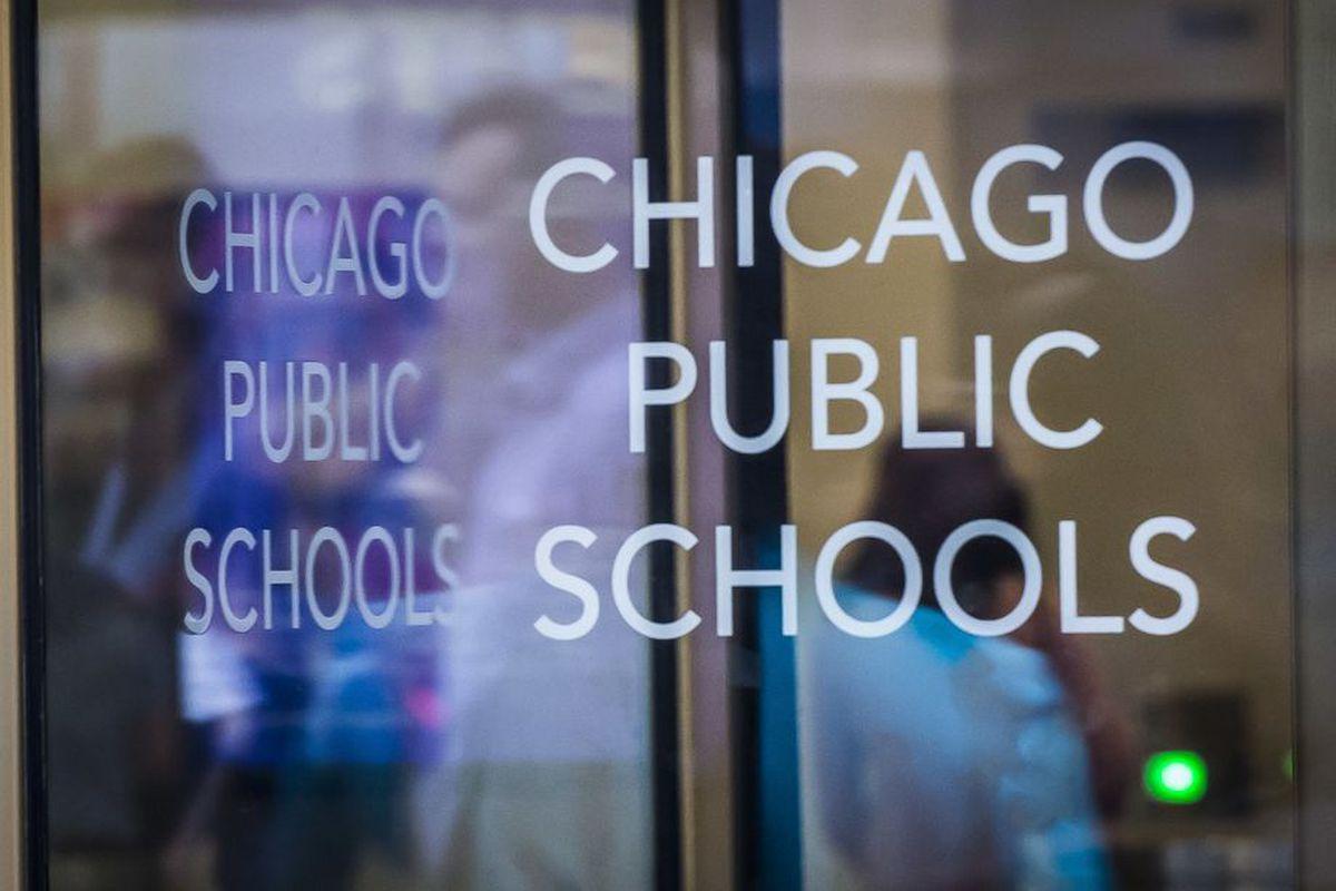 Chicago Public Schools sign on a revolving door