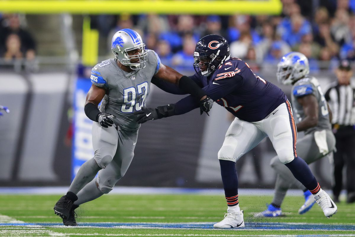 Charles Leno (72, manhandling Lions defensive end Dwight Freeney in 2017), started 95 consecutive games for the Bears over six seasons.