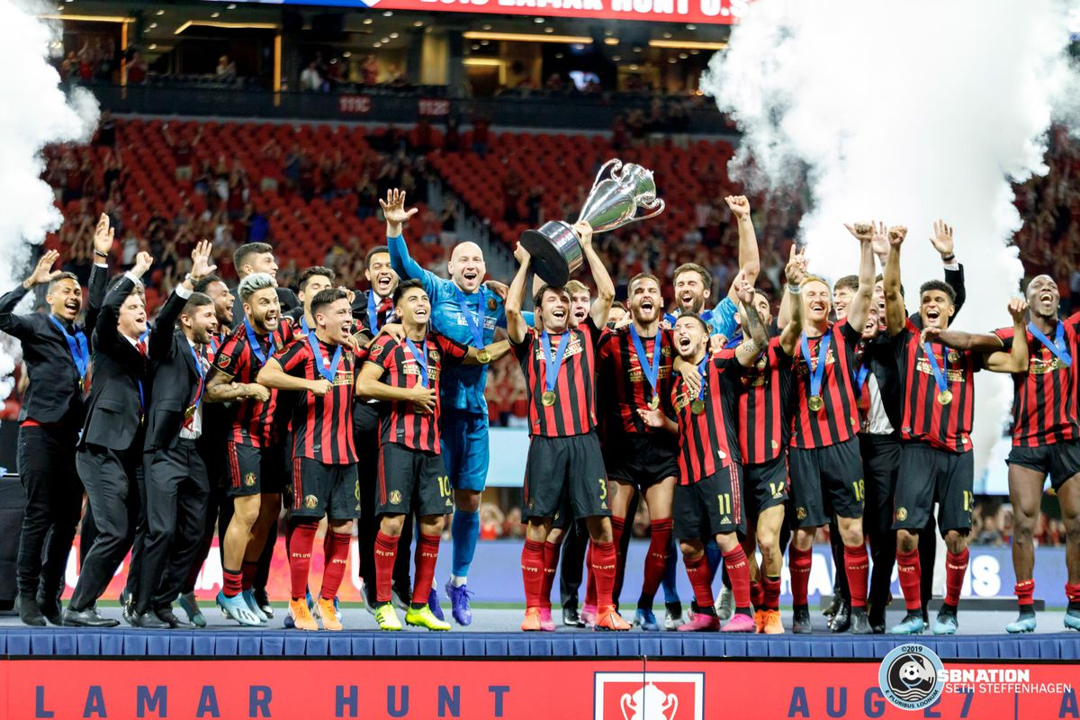 August 27, 2019 - Atlanta, Georgia, United States - Atlanta United celebrate a 2-1 victory over Minnesota United during the US Open Cup Final at Mercedes-Benz Stadium.