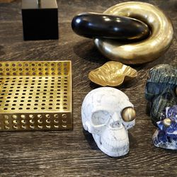 Table accessories from Wearstler's collection