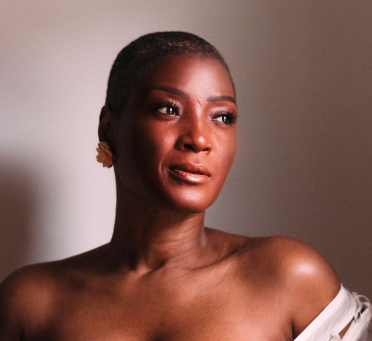 """""""The Chi"""" Actress Yolonda Ross Helps Feinberg Foundation Donate 0,000 to Serve Women of Color Living With Breast Cancer"""