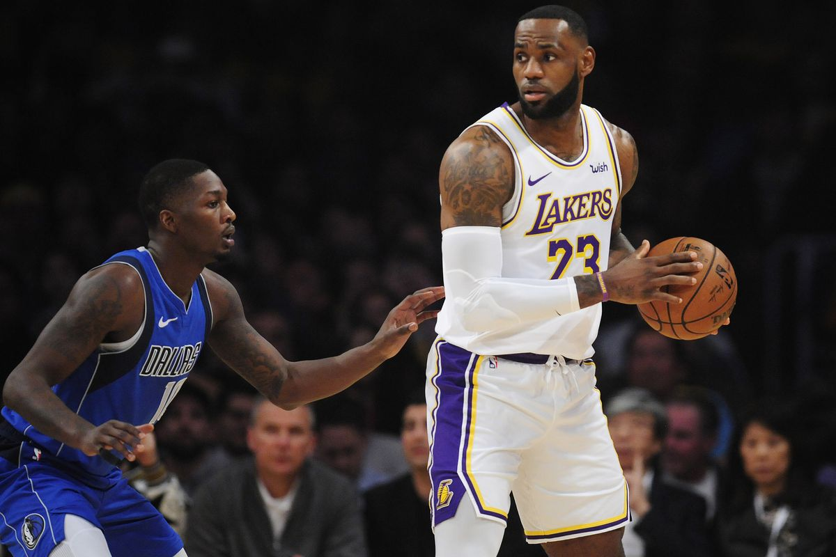 3 Things To Watch For When The Mavericks Host The Lakers