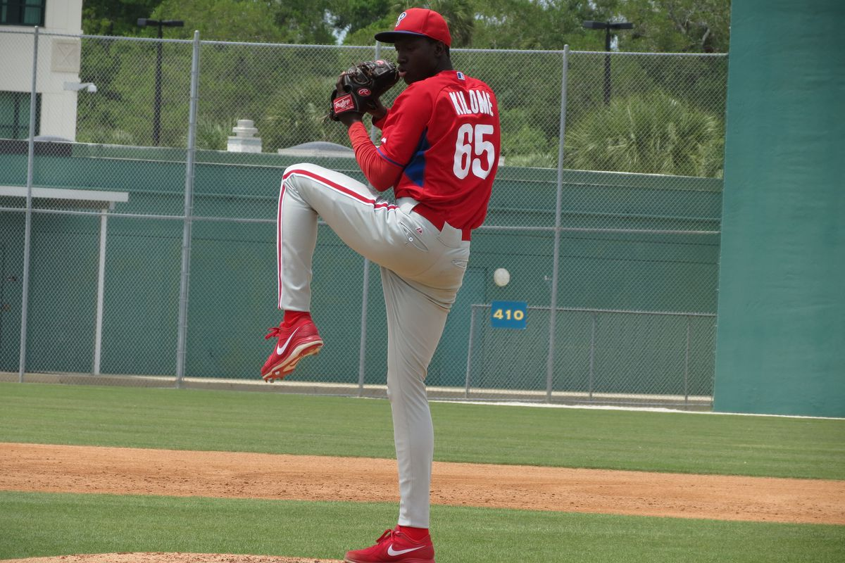 Franklyn Kilome pitching in the GCL