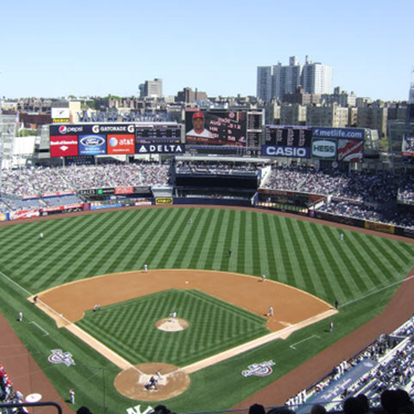 What To Eat At Yankee Stadium Home Of