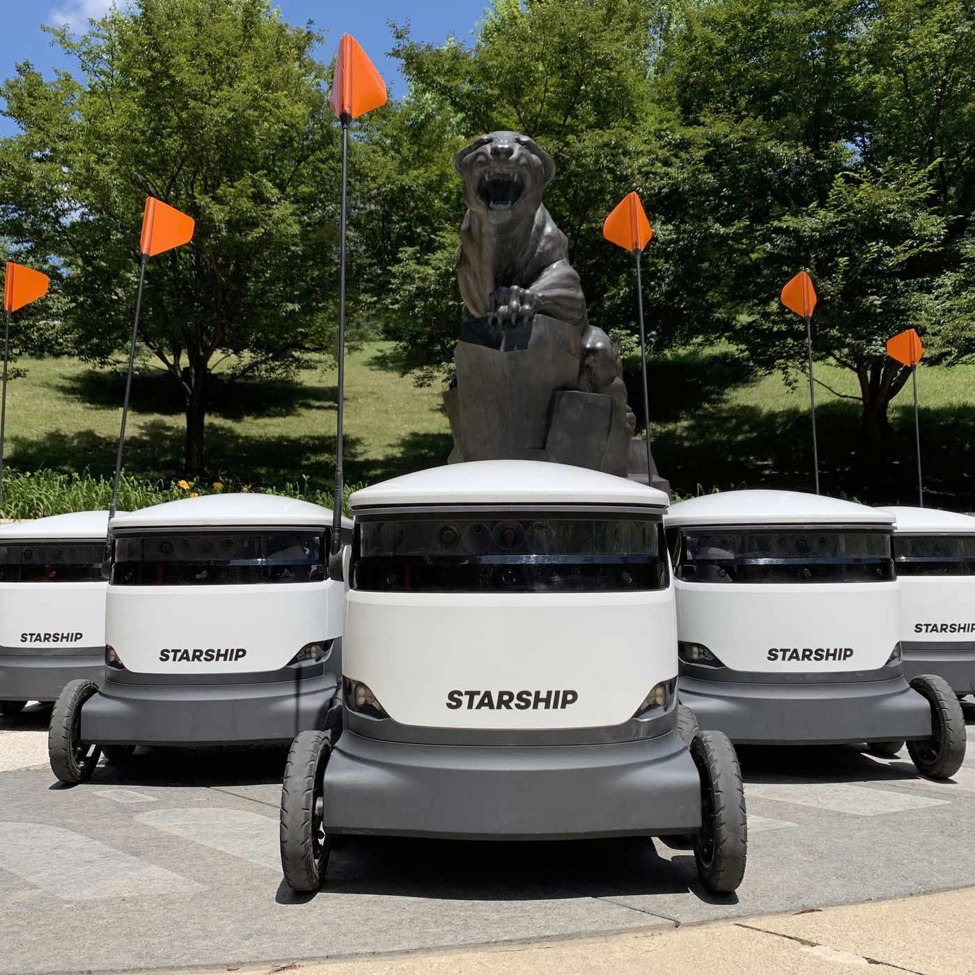 Thousands Of Autonomous Delivery Robots Are About To Descend On Us College Campuses The Verge