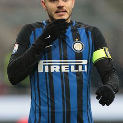 Mauro Emanuel Icardi of FC Internazionale Milano looks on during the TIM Cup match between AC Milan and FC Internazionale at Stadio Giuseppe Meazza on December 27, 2017 in Milan, Italy.