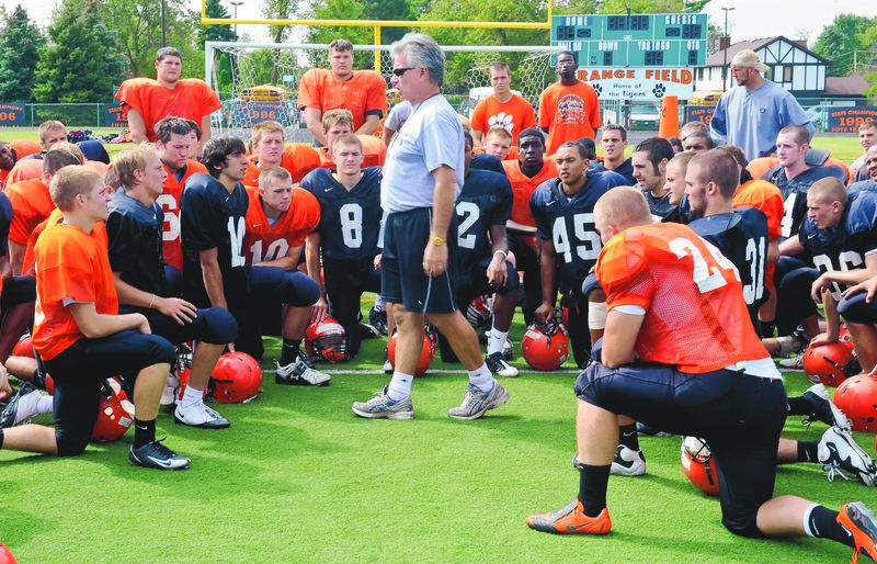 Wheaton Warrenville South coach Ron Muhitch leads a practice in 2009.