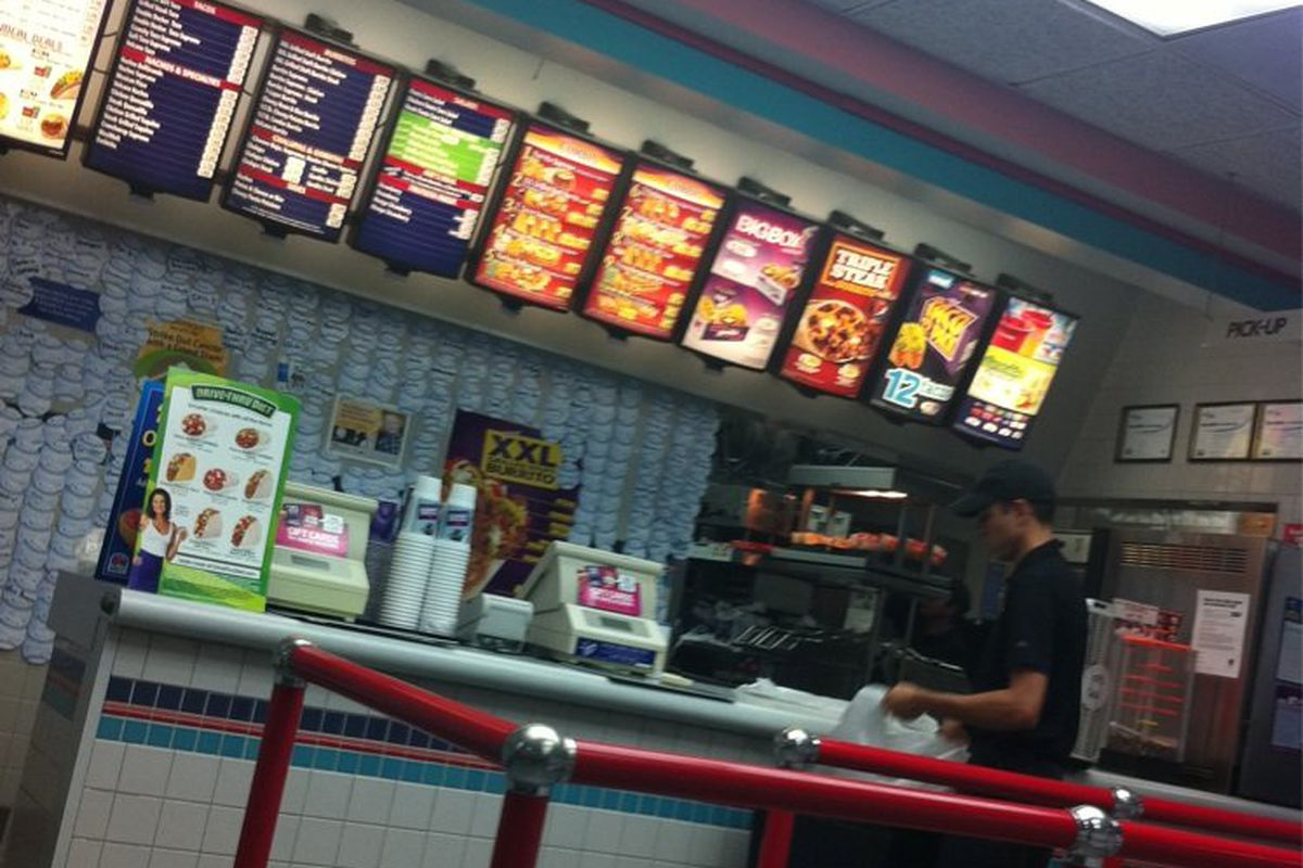 The existing Taco Bell in Saugus
