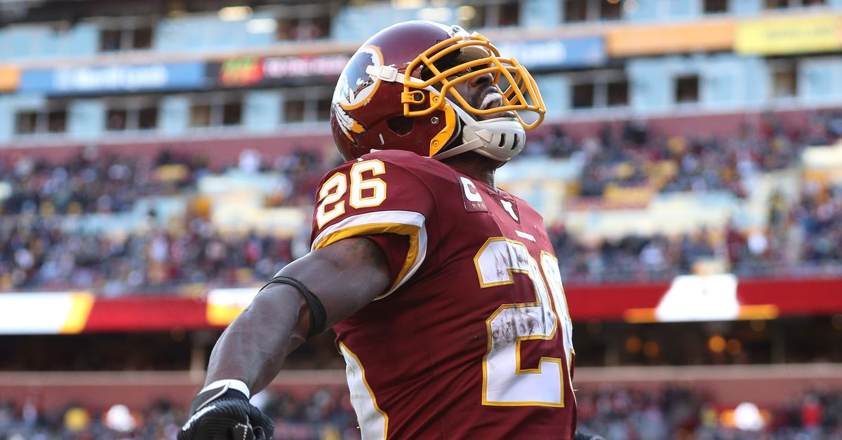 AD is back! Redskins exercise club option for Adrian Peterson