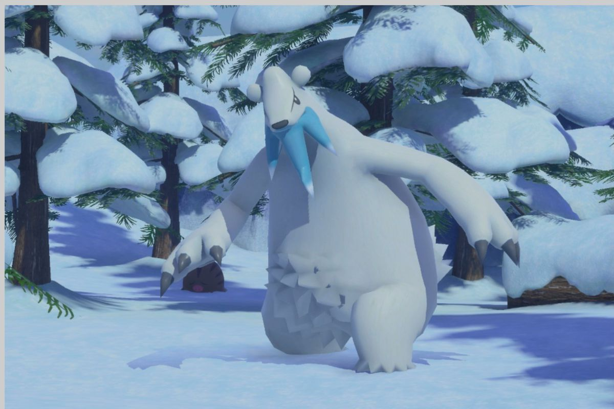 A Beartic looks around cautiously in the snow, probably after being hit with a Fluffruit
