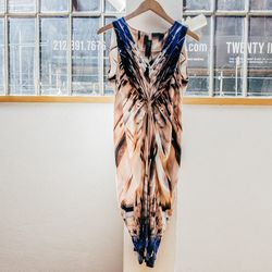 "Tuni dress, <a href=""http://www.zeromariacornejo.com/#/shop/dresses_and_tunics/tuni-dress-mrp"">$1095</a>"