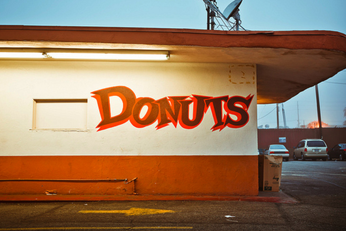 More Randy's Donuts signage, Inglewood.
