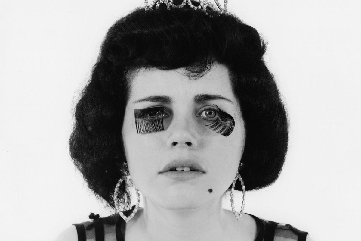 1fd681b5669 A True History of False Eyelashes - Racked