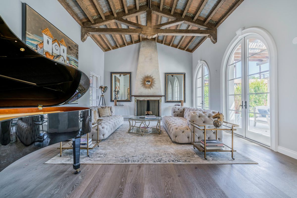 Spanish Colonial-style house where Howard Hughes crashed his