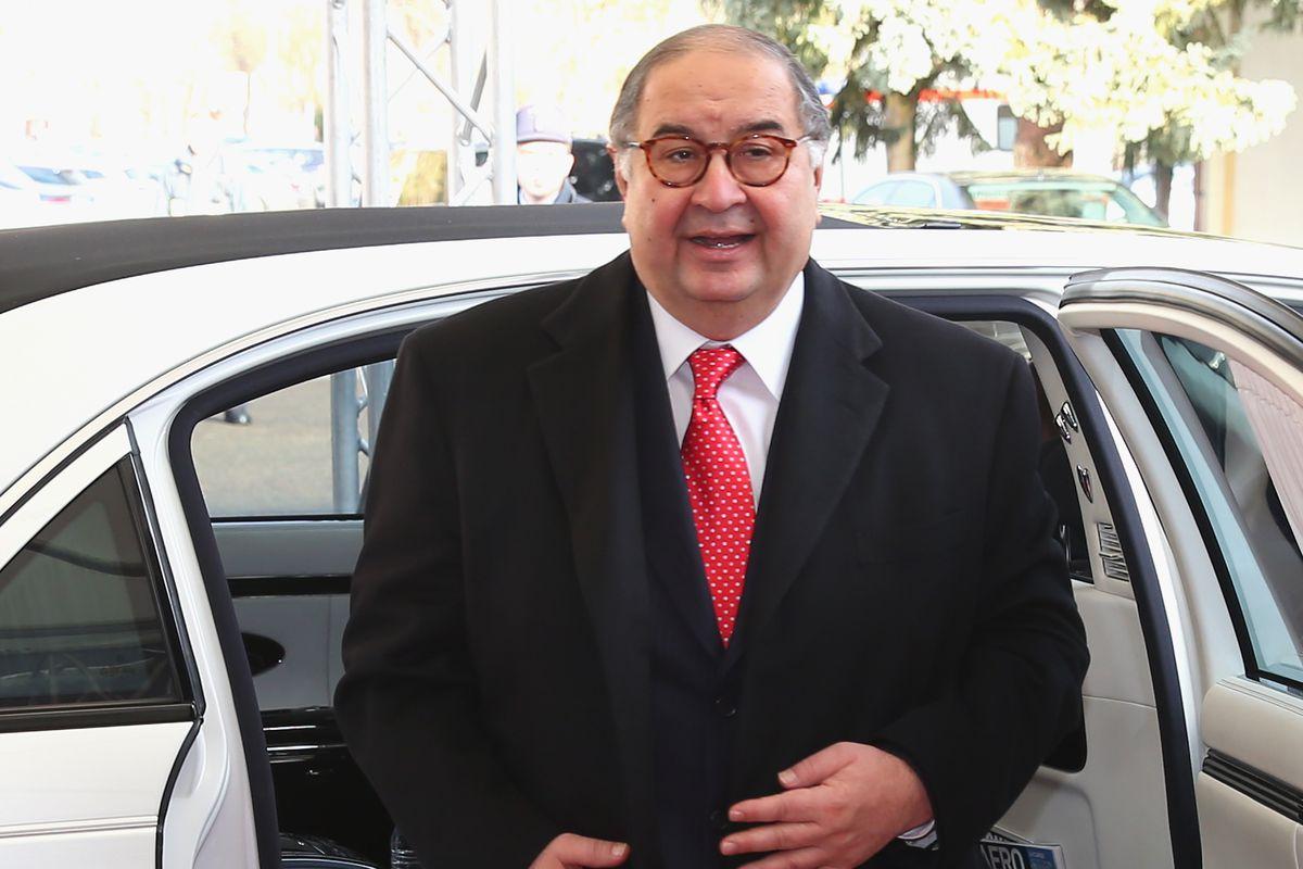 Usmanov on his way to Harry CarayCon