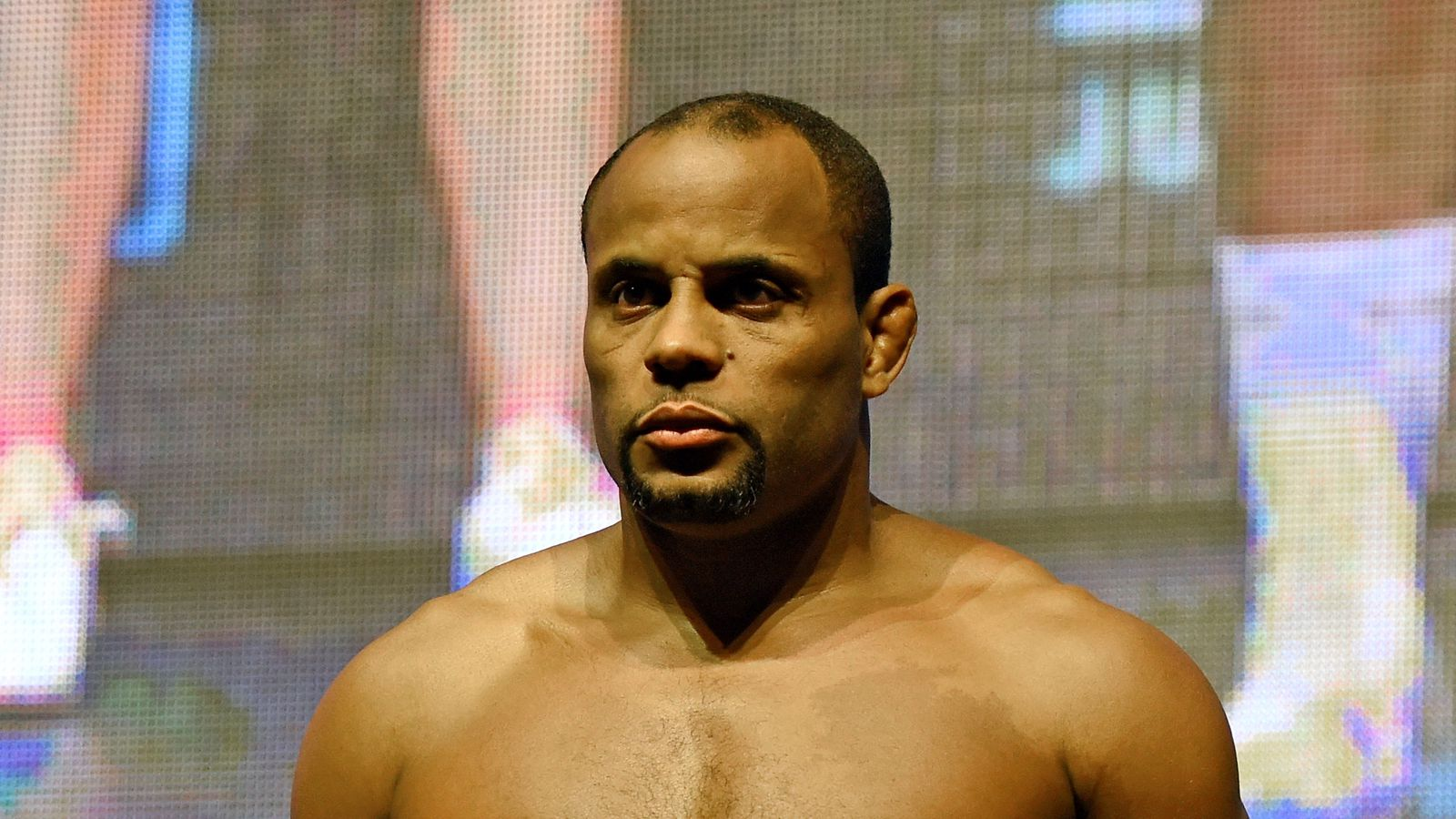 midnight mania daniel cormier forces rumble to stand during