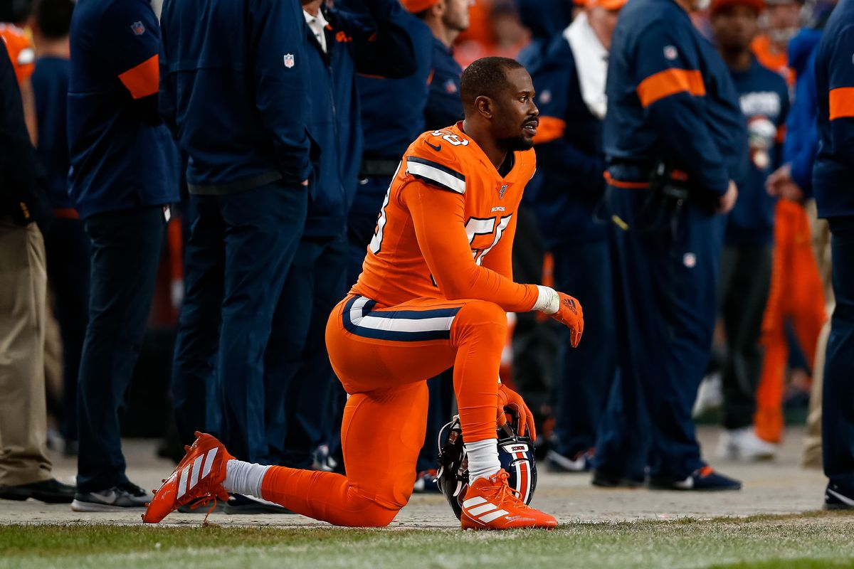 Denver Broncos outside linebacker Von Miller on the sidelines in the fourth quarter against the Detroit Lions at Empower Field at Mile High.