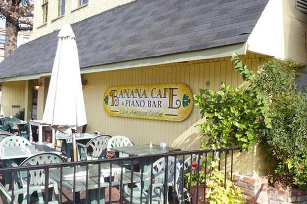Banana Cafe & Piano Bar