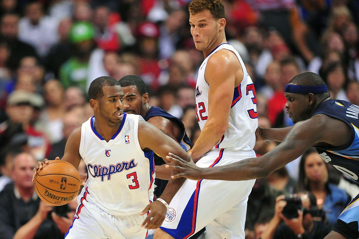October 31, 2012; Los Angeles, CA, USA; Los Angeles Clippers power forward Blake Griffin (32) provides the screen as point guard Chris Paul (3) moves the ball against the Memphis Grizzlies during the first half at Staples Center.