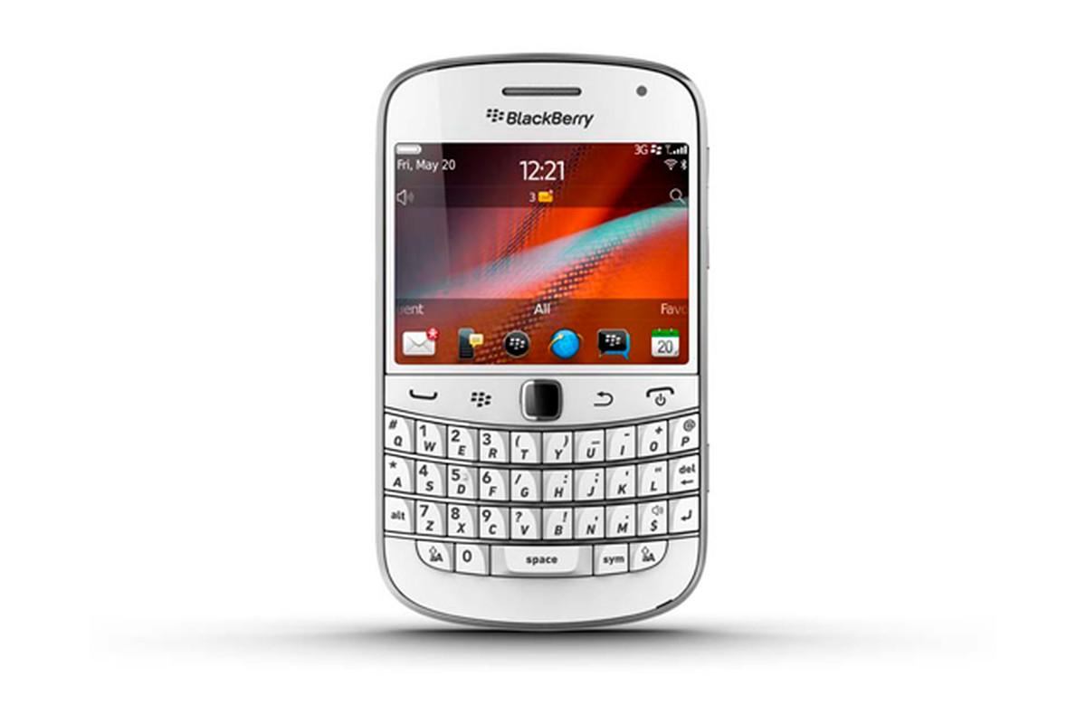 """via <a href=""""http://dl.dropbox.com/u/118445/White_BlackBerry_Bold_9900.png"""">dl.dropbox.com</a>"""