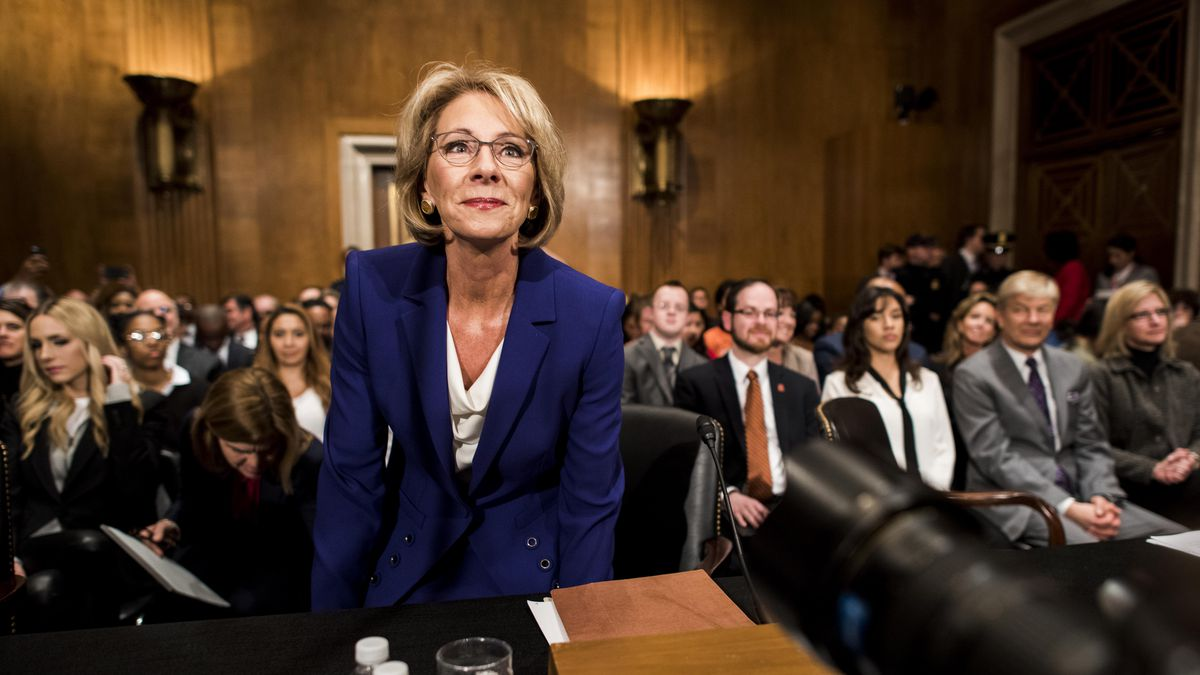 Advocates Demand Devos Protect Students >> How Betsy Devos Is Quietly Erasing Obama S Education Legacy Vox