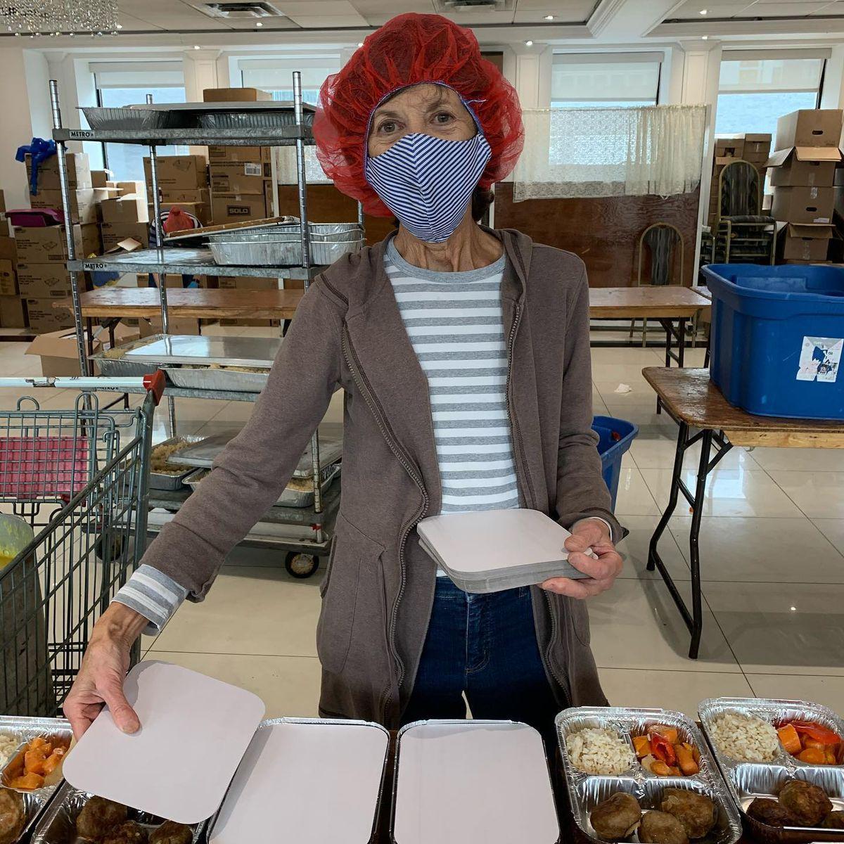 volunteer food bank