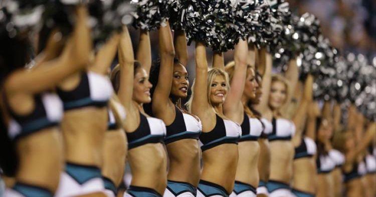 Eagles_cheerleaders