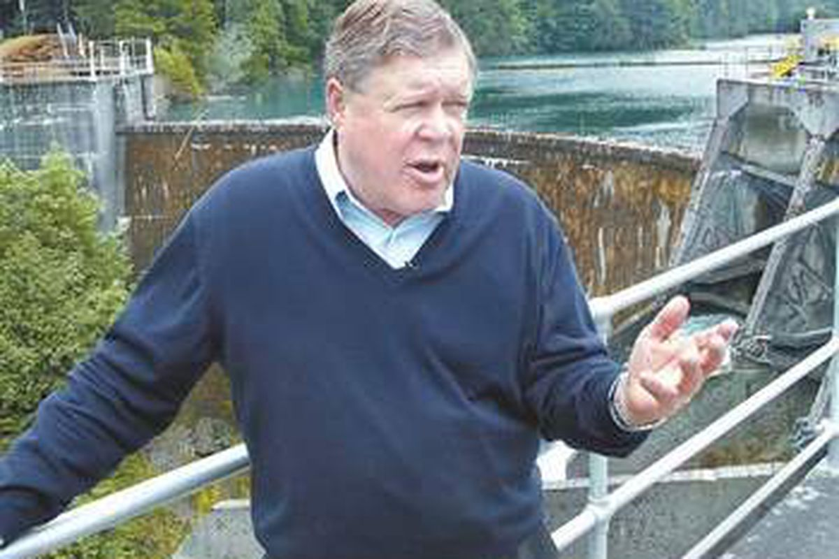 Former UW lineman Norm Dicks is retiring after providing the State of Washington with 18 solid terms in Congress. - Peninsula Daily News photo