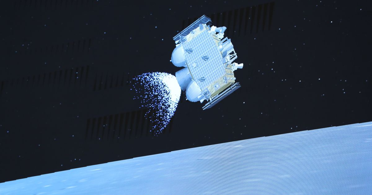 China's Chang'e 5 completes docking mission on its way back to Earth