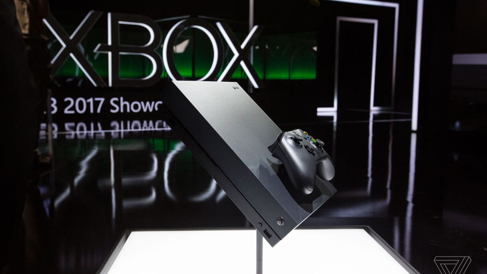 Why Microsoft didn't turn Xbox One X into a Windows 10