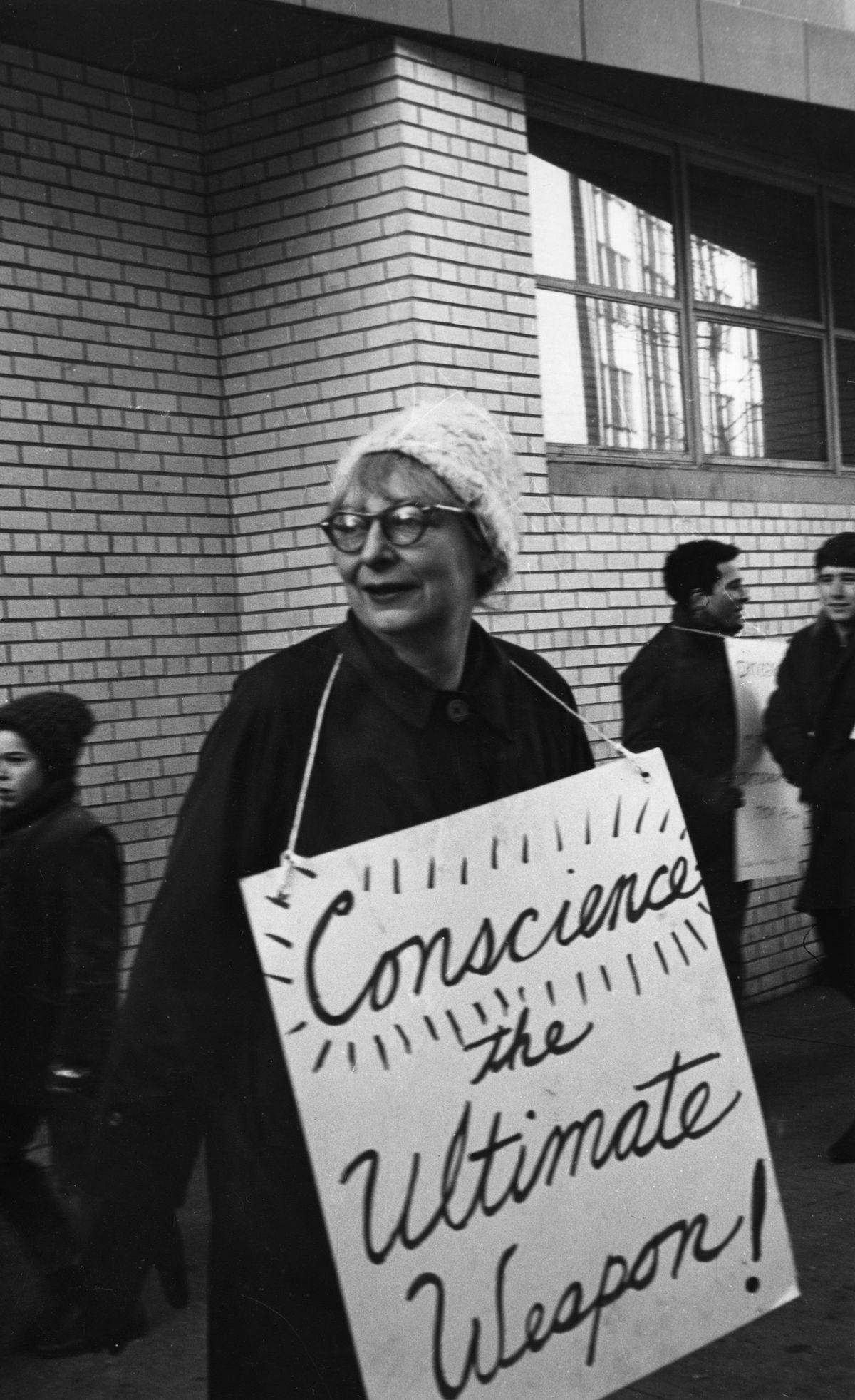Jane Jacobs attending a boycott at P.S. 41 in New York City in February 1964.