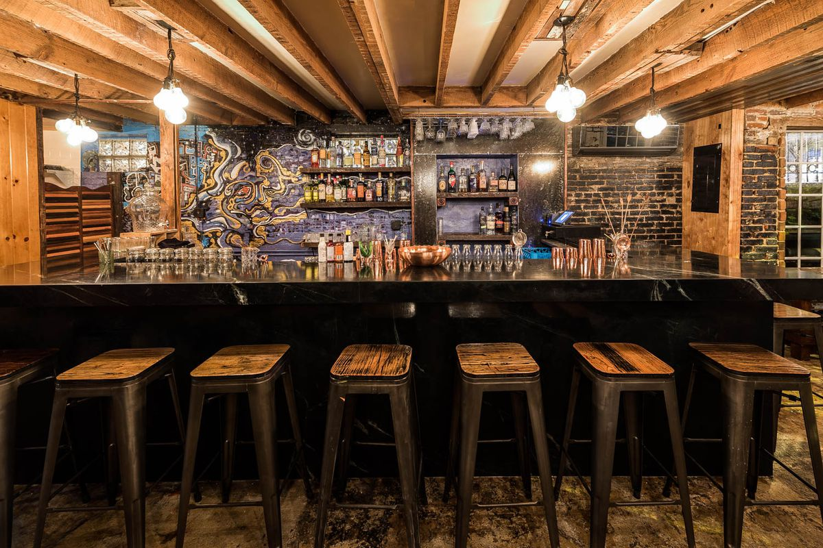 The Bar At 600 T Street Nw Photo By Rey Lopez For Eater Dc