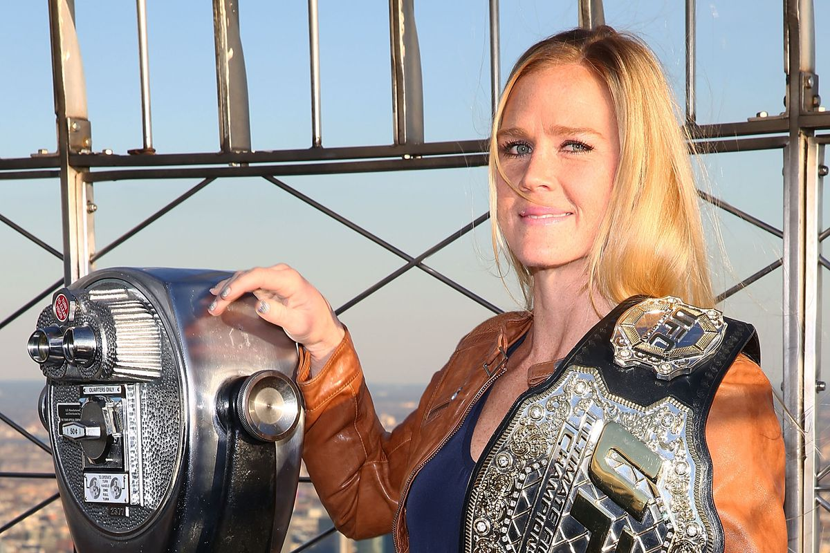 Former champ Holly Holm signs new-six fight deal with UFC