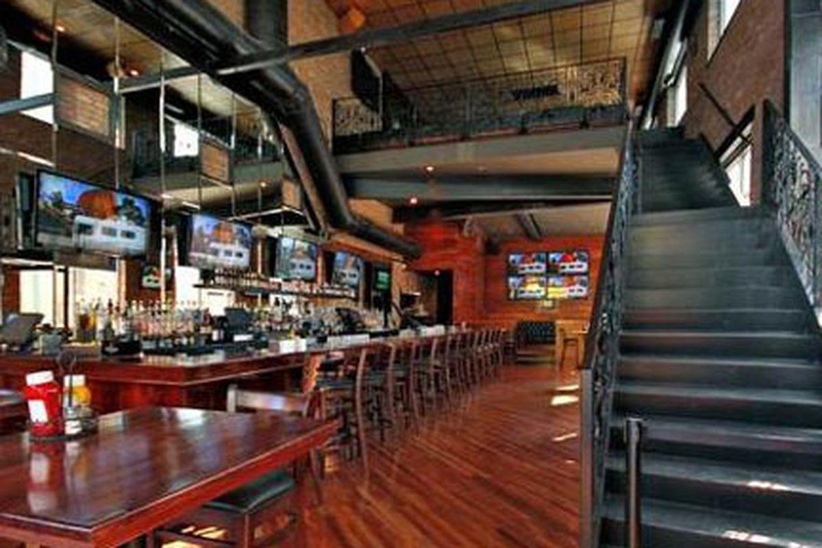 Standard Bar/Grill