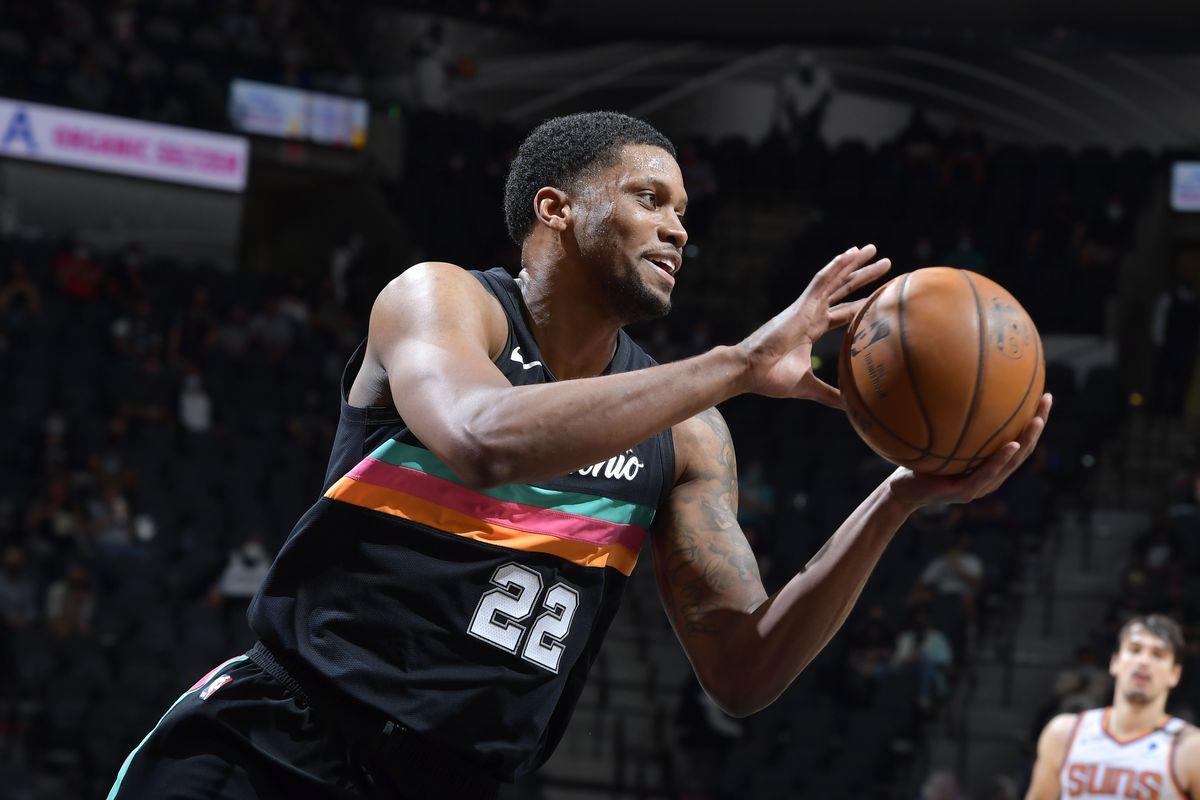 Phoenix Suns v San Antonio Spurs