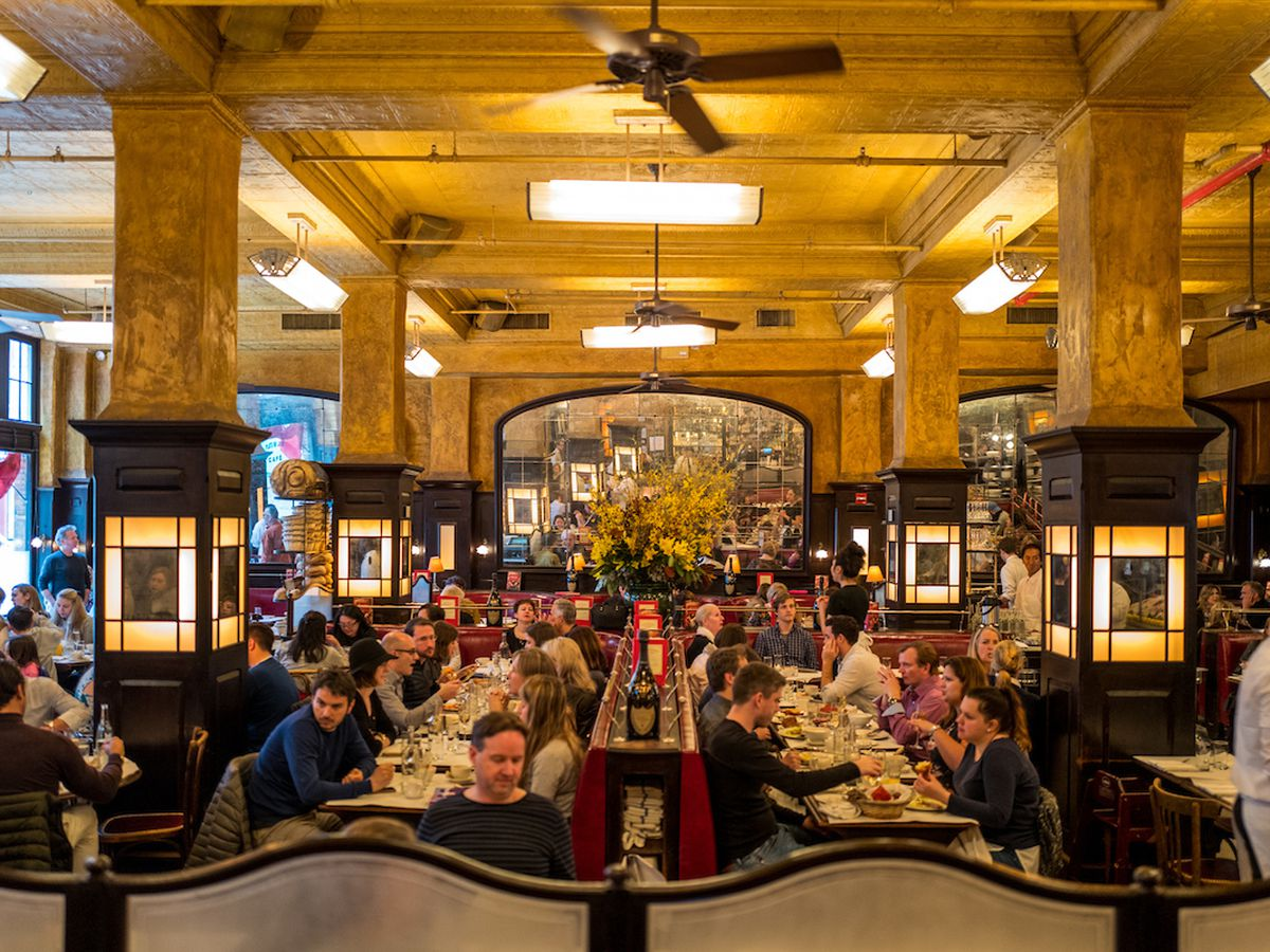 17 Top Tourist Trap Restaurants In Nyc That Are Actually