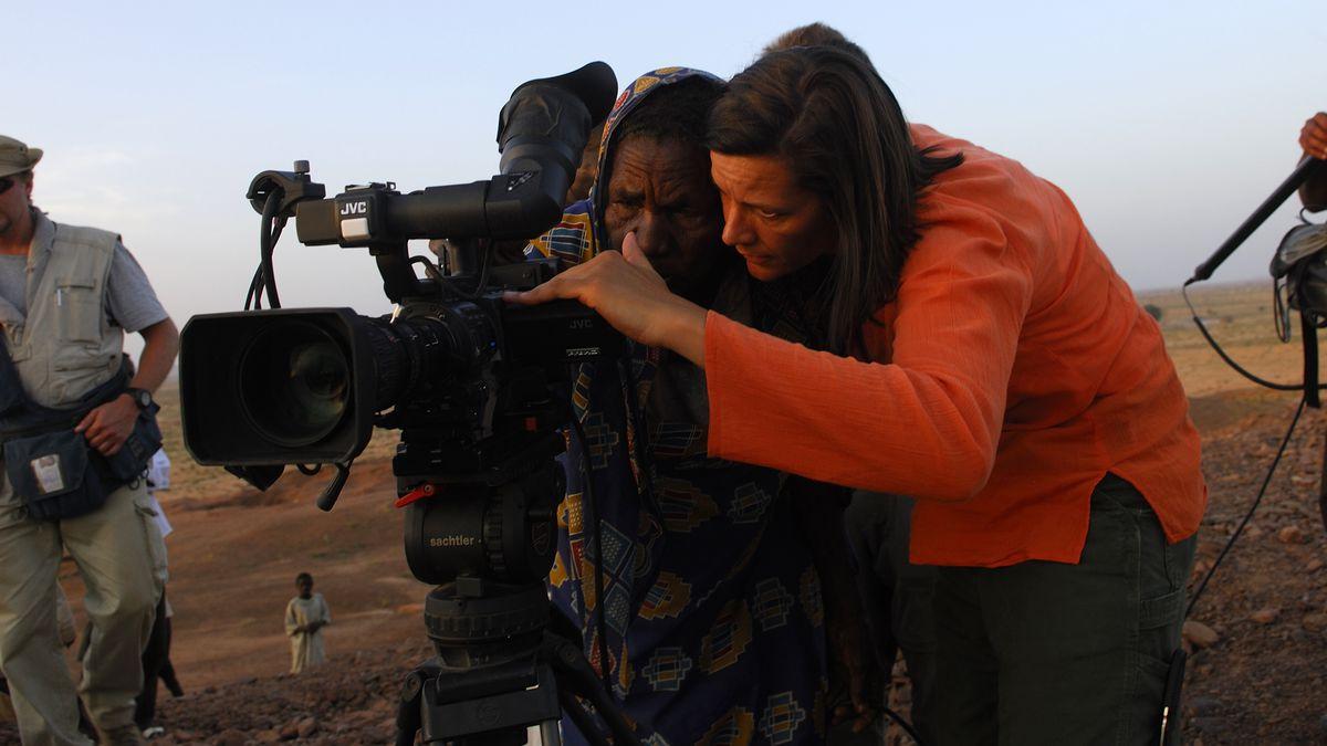 Kirsten Johnson shooting Cameraperson