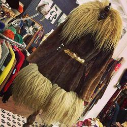 "60s fur coat, via <a href=""http://instagram.com/p/WaEdu6GRWA/"">@drinksmall</a>"