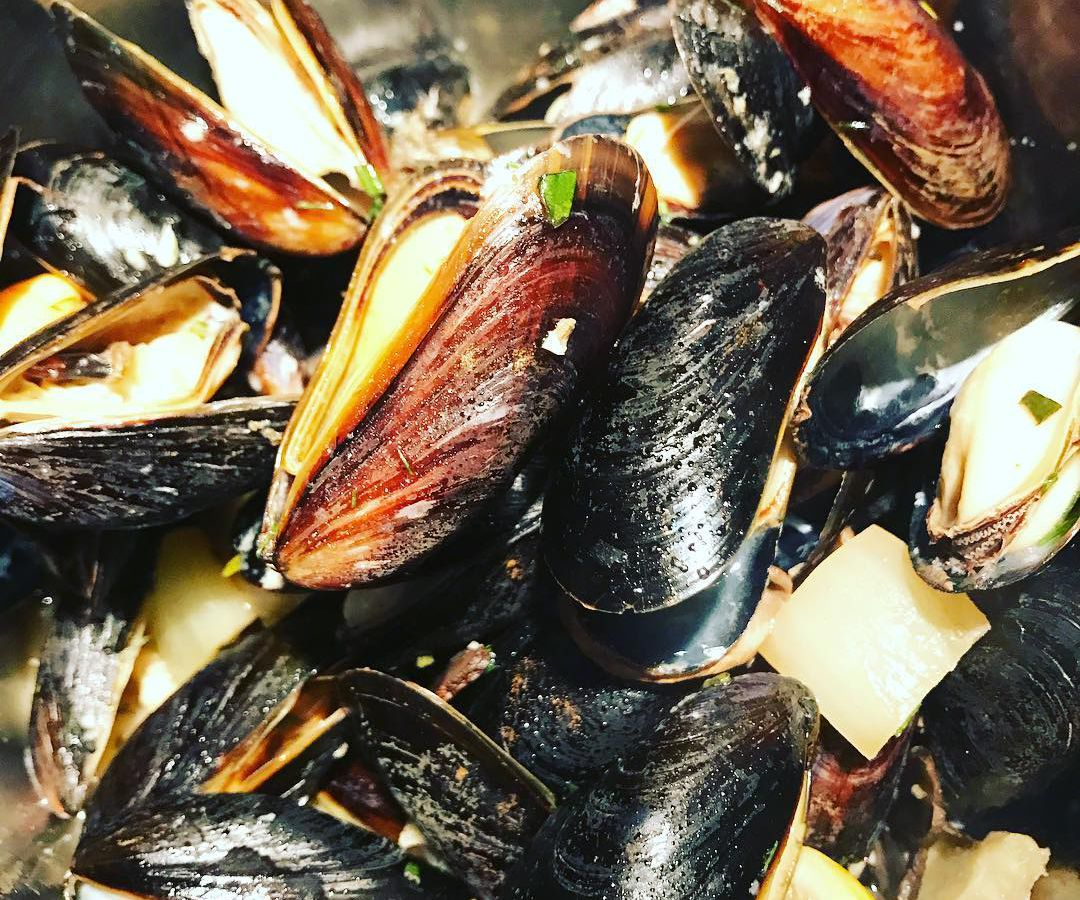 publick house mussels