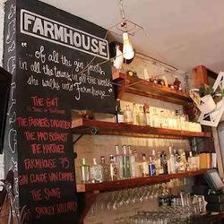 """""""After the market and, fingers crossed, a workout on the lake, brunch is a top priority, says Lauren. """"For us, brunch revolves around the Bloody Mary. We love walking down to <a href=""""www.farmhousechicago.com"""">Farmhouse</a> [228 West Chicago Avenue] wher"""