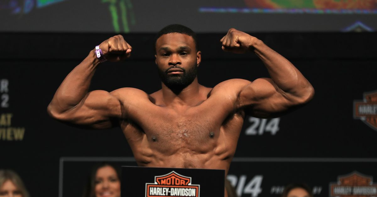UFC champ Tyron Woodley undergoes successful shoulder surgery, plans to return in new year