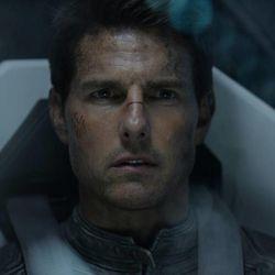 "Tom Cruise stars as Jack Harper in ""Oblivion"""