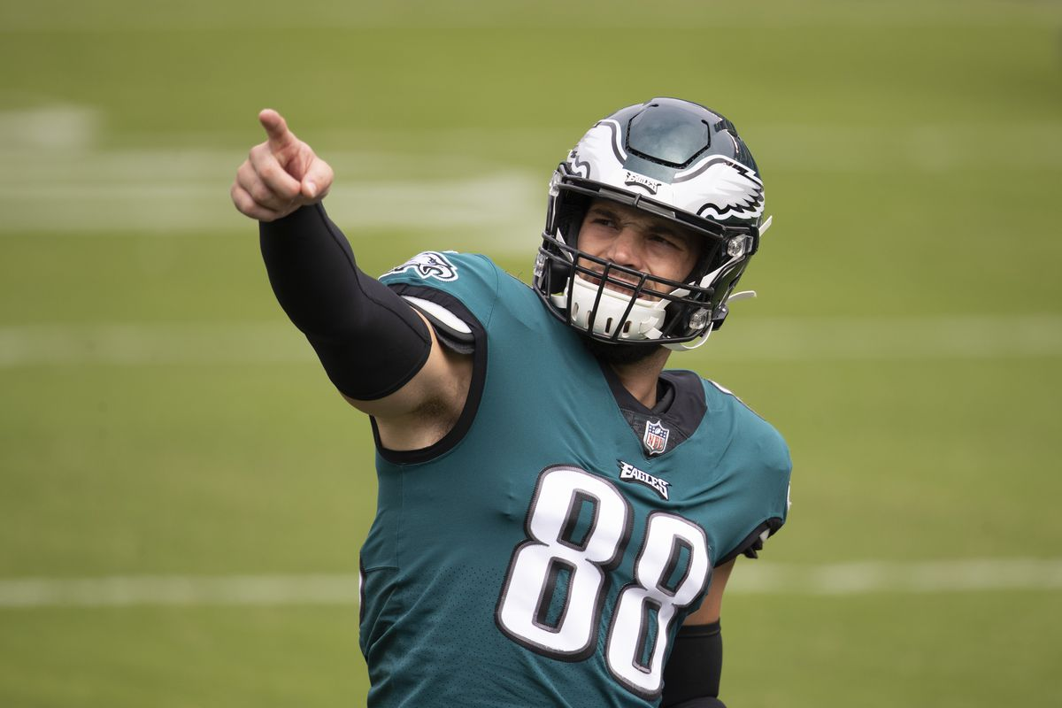 Dallas Goedert of the Philadelphia Eagles points prior to the game against the Cincinnati Bengals at Lincoln Financial Field on September 27, 2020 in Philadelphia, Pennsylvania.