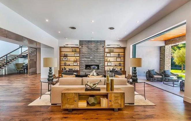 Kris Jenner living room
