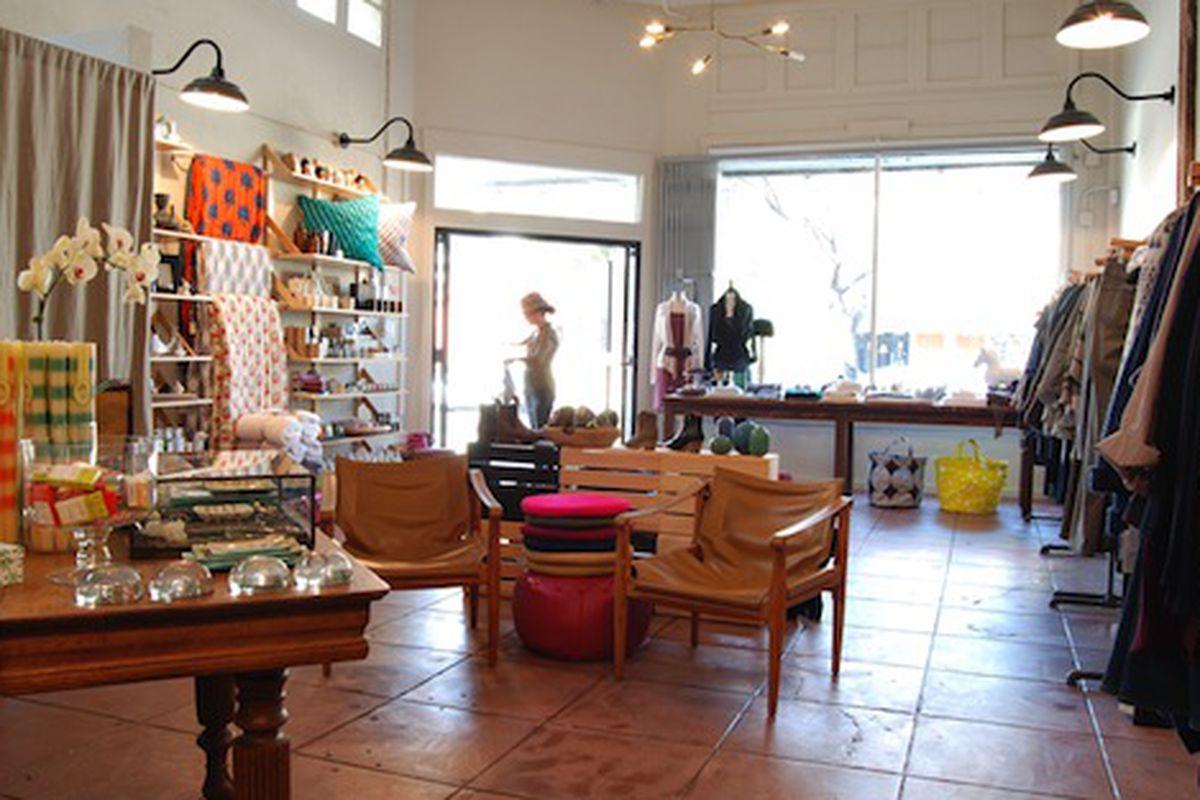 """Image via <a href=""""http://lakeboutique.com/"""">Lake Boutique</a>"""