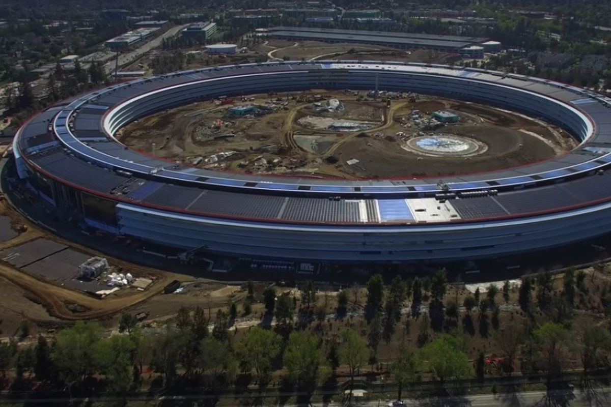 The almost-finished Apple Park from air.