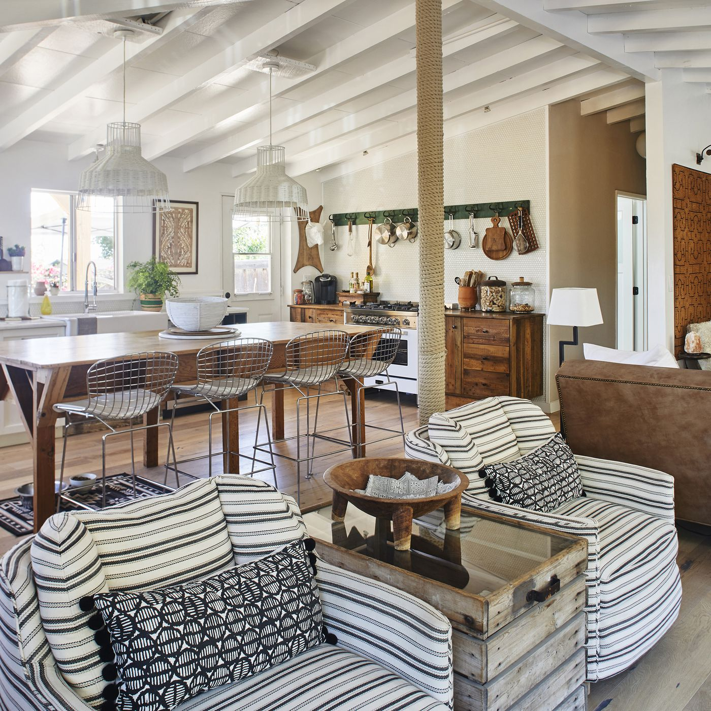 Jennifer Maxcy's ranch home gets a modern makeover - Curbed LA on roadhouse interior design, ranch house decor, socal style interior design, ranch house awnings, ranch house house, prefab interior design, ranch house furniture, summer cottage interior design, ranch house curb appeal landscaping, duplex interior design, home interior design, ranch house basement ideas, fabric interior design, farm interior design, ranch house outdoor patio, ranch house plumbing, antique store interior design, split-level interior design, ranch house illustration,
