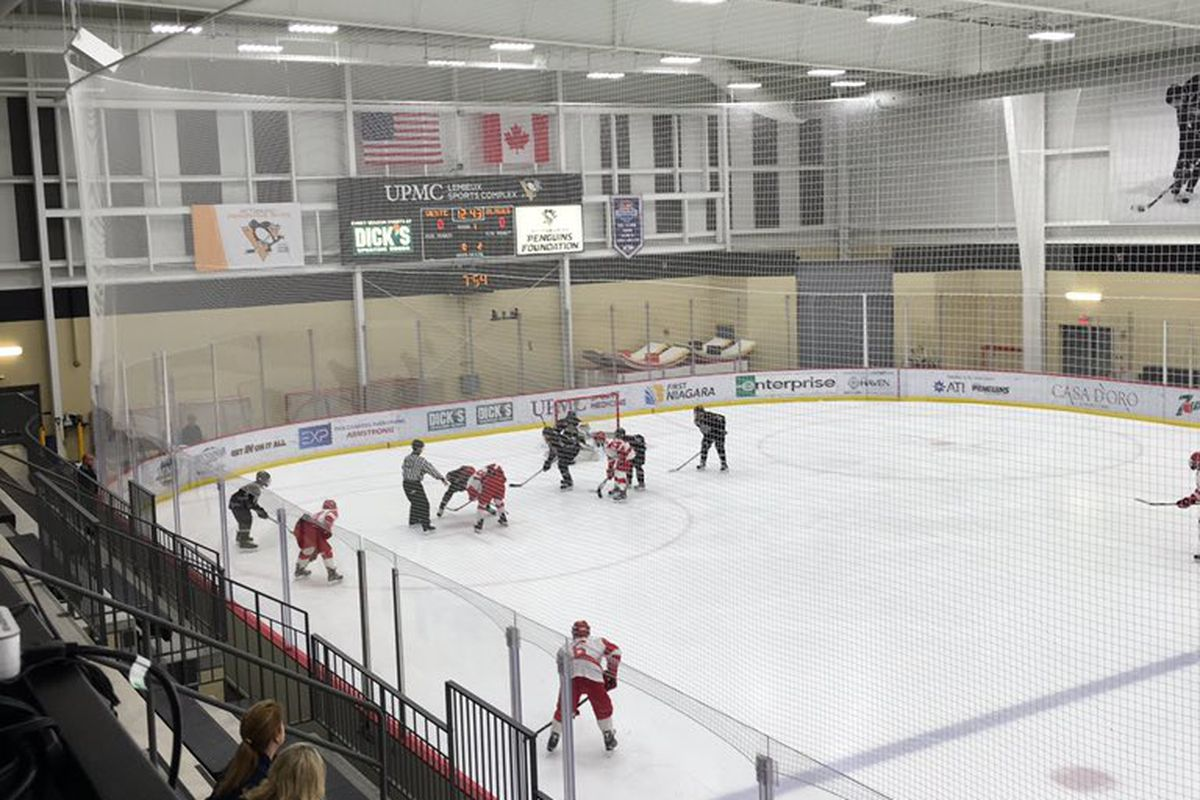 Westchester Express, pictured here against Minnesota Blades, will play in the Super Series AAA Showdown at Chelsea Piers.