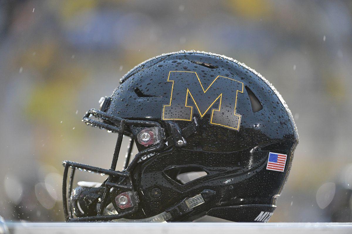 NCAA Football: Arkansas at Missouri