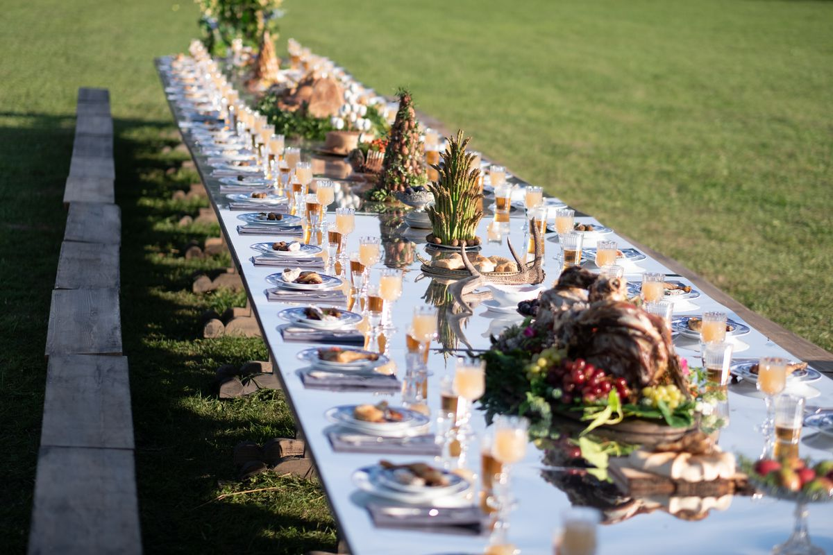 The table set for the feast in Midsommar.